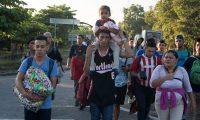 Migrantes centroamericanos durante una de las caravanas cuando transitaba por México. (Foto Prensa Libre: Hemeroteca PL)