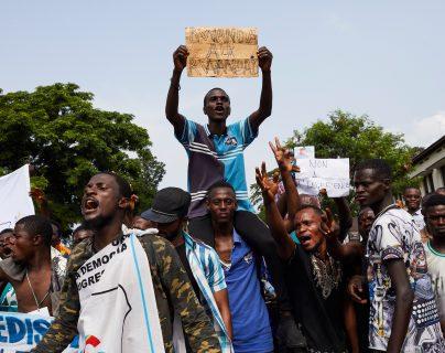 La población en Ruanda viven muchos en la pobreza y necesitan apoyo gubernamental. (Foto Prensa Libre: EFE)