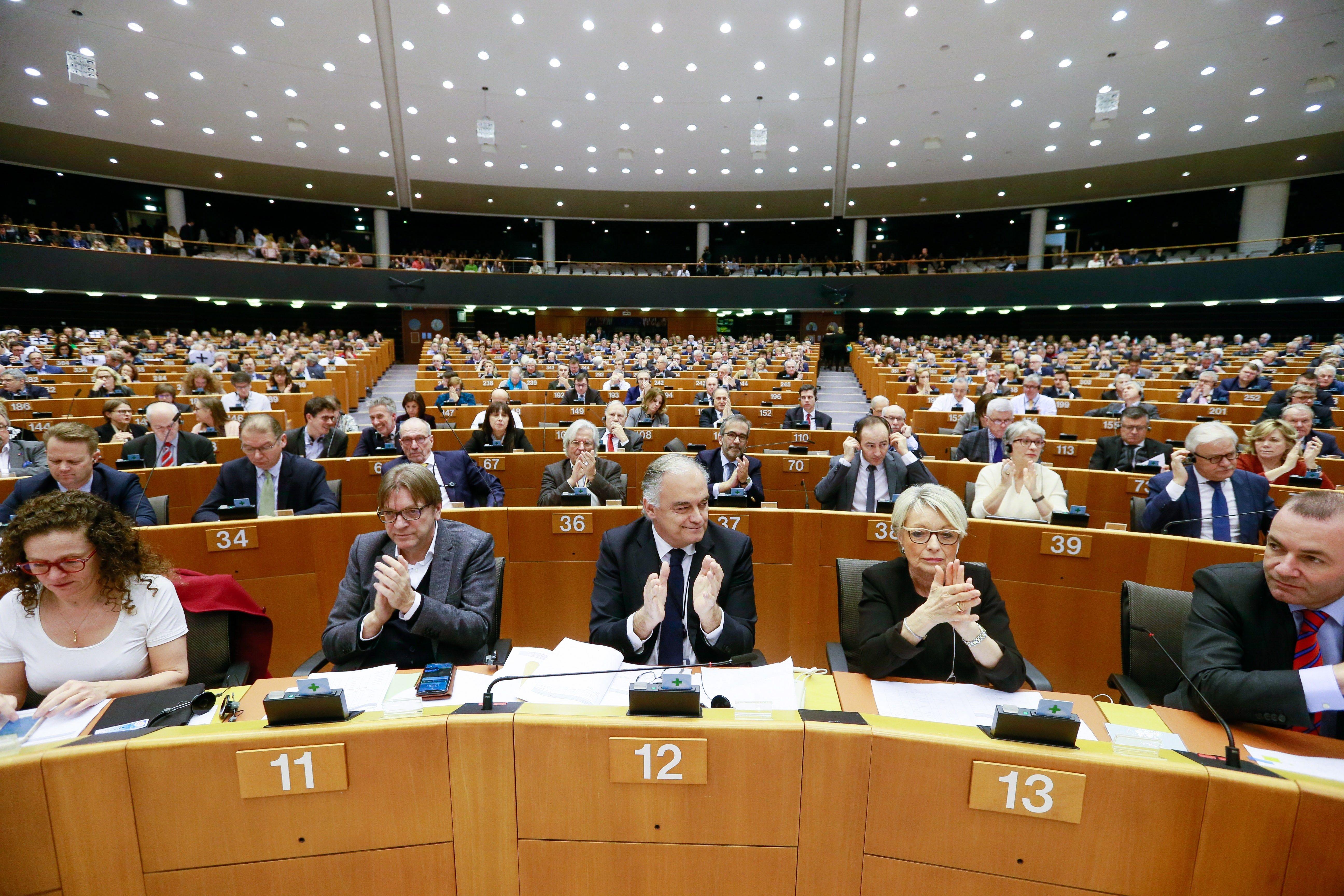 Vista general del hemiciclo durante una sesión del pleno del Parlamento Europeo. (Foto Prensa Libre: EFE)