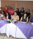 Familiares de las víctimas del Hogar Seguro exigen a la CSJ que cumpla con ampliar el tema de la solicitud de antejuicio solicitado contra Jimmy Morales. (Foto Prensa Libre: Paulo Raquec)