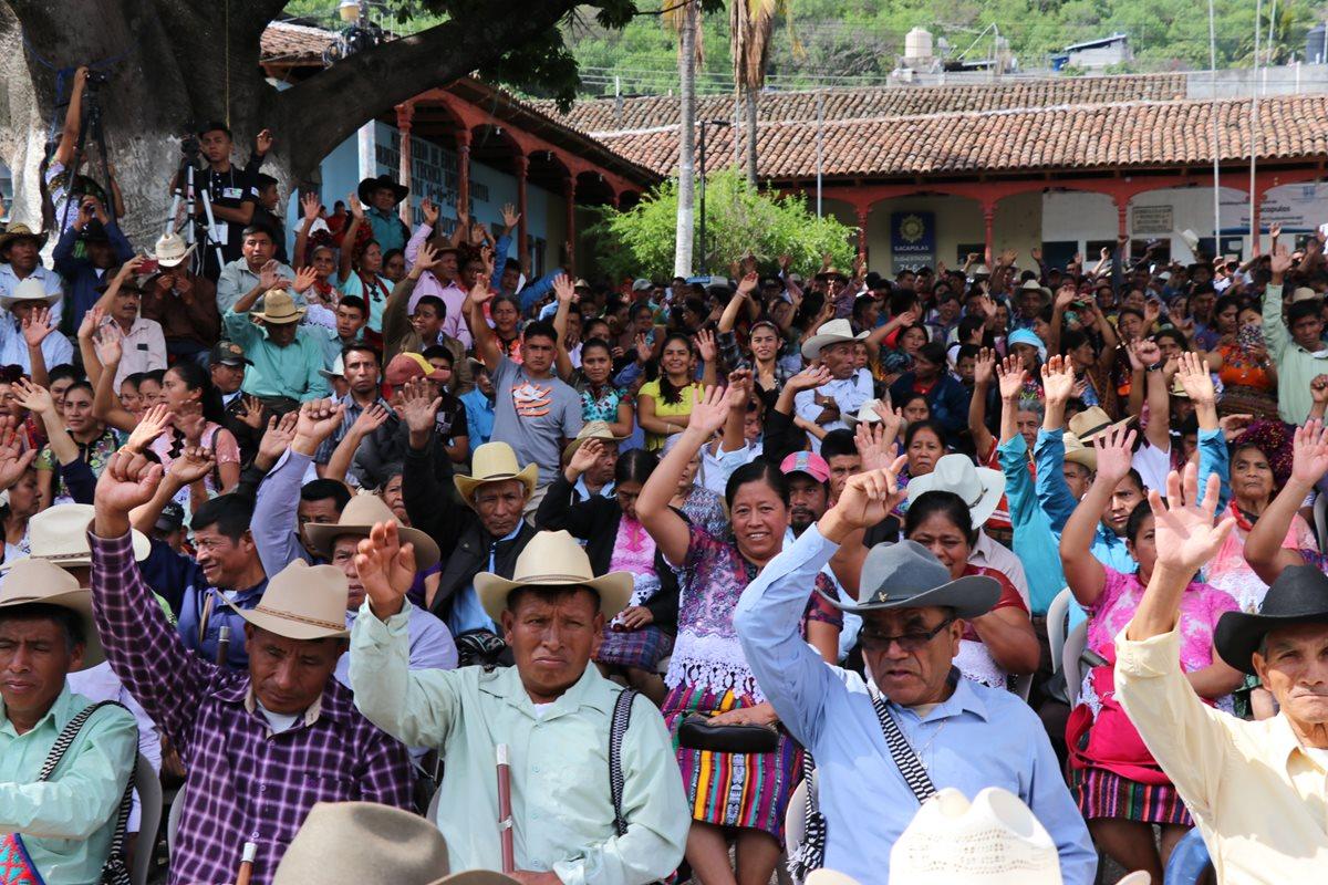 Vecinos de Sacapulas, Quiché, denunciarán a alcalde por no resolver los problemas que afectan a los pobladores