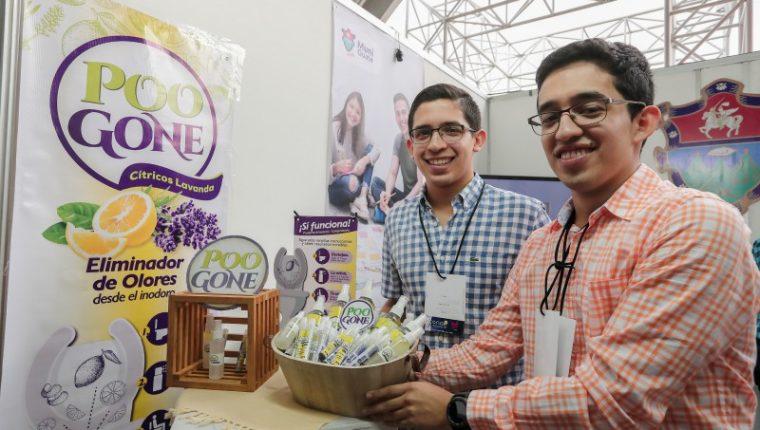 Jorge y Diego Piedrasanta son hermanos que emprendieron con la empresa POO GONE, productos de higiene en Guatemala. (Foto Prensa Libre: Juan Diego González)