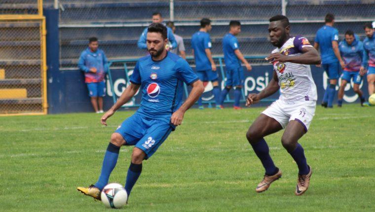 Xelajú MC superó al cuadro de San Pedro por la mínima diferencia. (Foto Prensa Libre: Raúl Juárez)