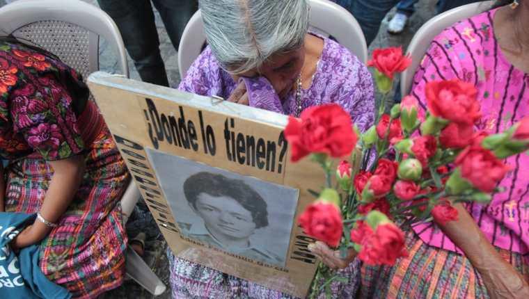 Este 25 de febrero se conmemora el Día Nacional de la Dignidad de las Víctimas del Conflicto Armado Interno. (Foto, Prensa Libre: Hemeroteca PL)