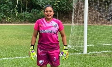 La portera Aida Cuc Ichic sueña con trascender con la Selección Femenina. (Foto Prensa Libre: Aura Andersen)