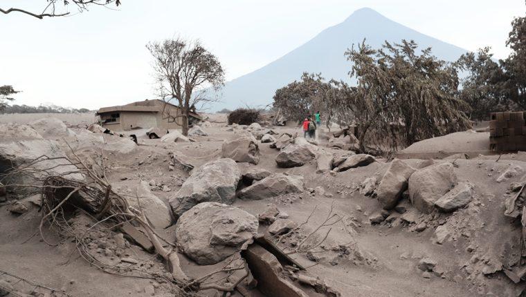 <div>Autoridades concluyeron búsqueda por riesgo en terreno; familiares aún tienen esperanza de hallar restos en</div><div>la llamada Zona Cero. (Foto Prensa Libre: Érick Ávila)</div>
