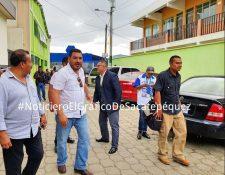 Ministro de Ambiente, Alfonso Alonzo, cuando llegó el pasado domingo a votar por la consulta popular en Sacatepéquez. (Foto Prensa Libre: Noticiero El Gráfico de Sacatepéquez)