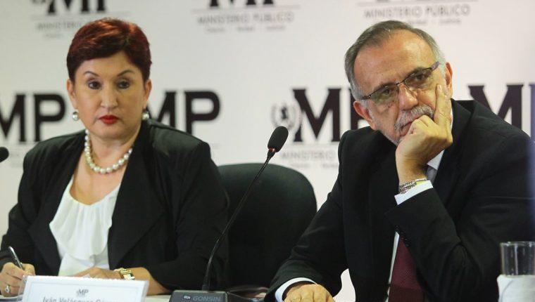Thelma Aldana e Iván Velásquez durante la conferencia de prensa que reveló el financiamiento electoral ilícito del partido FCN Nación. (Foto Prensa Libre: Hemeroteca PL)