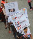 Las críticas durante la marcha en conmemoración del 20 de octubre, se centraron en la gestión de Jimmy Morales. (Foto Prensa Libre: Hemeroteca PL)