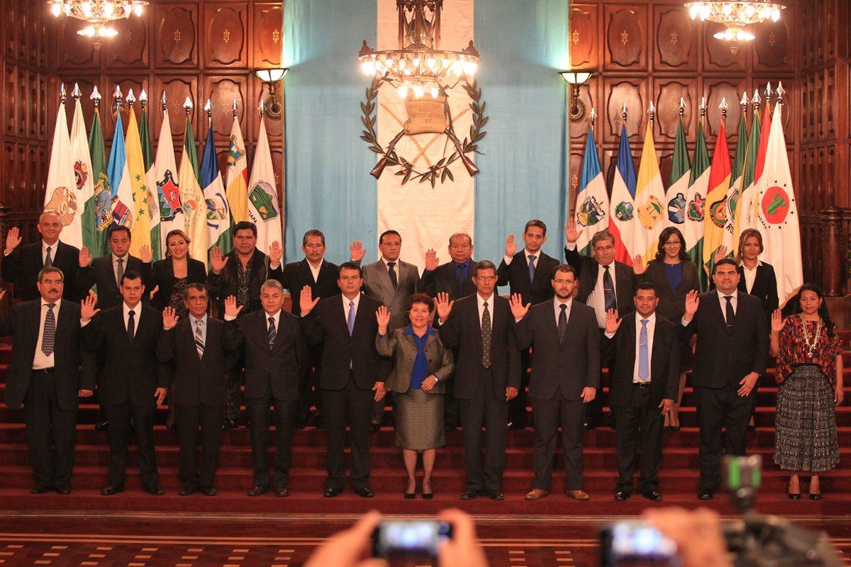 CC requiere del Ejecutivo toda la información sobre designación de gobernadores