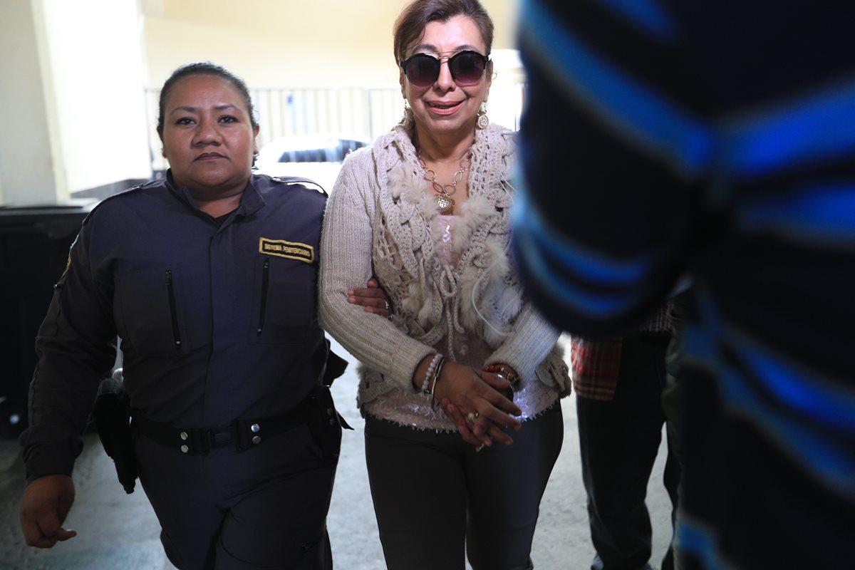 Anabella de León podría salir pronto de prisión. (Foto Prensa Libre: Carlos Hernández)