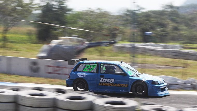 Víctor Hugo López es el campeón de la categoría Vintage GTR. (Foto Prensa Libre: Cortesía César Pérez)