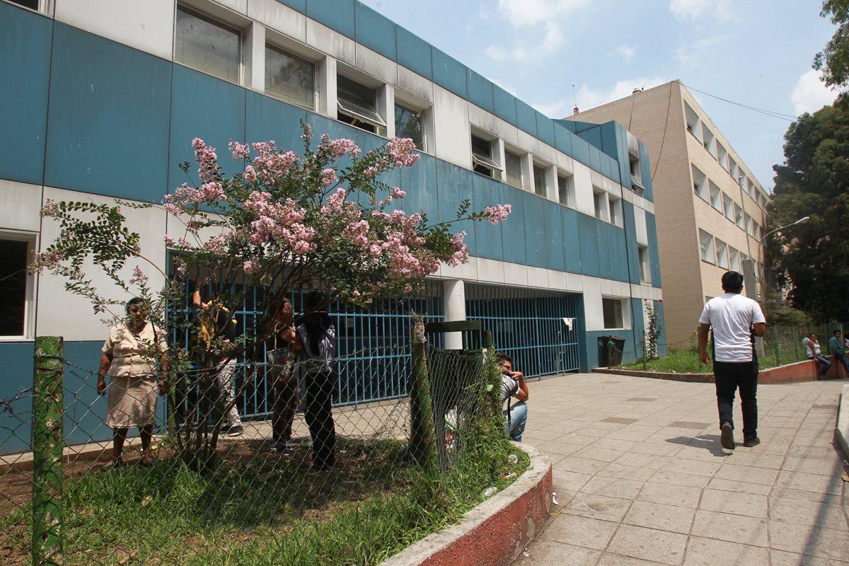 El Hospital Roosevelt es un centro de referencia para toda el área metropolitana y el occidente del país. (Foto Prensa Libre: Hemeroteca PL)