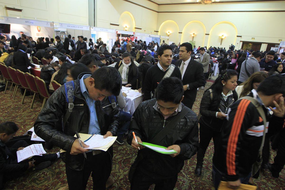 Jóvenes demandan apoyo para su desarrollo integral. (Foto Prensa Libre: Hemeroteca PL)