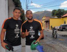 Alejandro Galindo —izquierda— y el tico Manfred Russell han sido fundamentales para Antigua. (Foto Prensa Libre: Carlos Vicente)