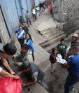 La Fedefut ha prestado sus instalaciones para ser centro de acopio de víveres y ha llevado lo recaudado a las comunidades necesitadas por la tragedia del Volcán de Fuego. (Foto Prensa Libre: Jorge Ovalle)