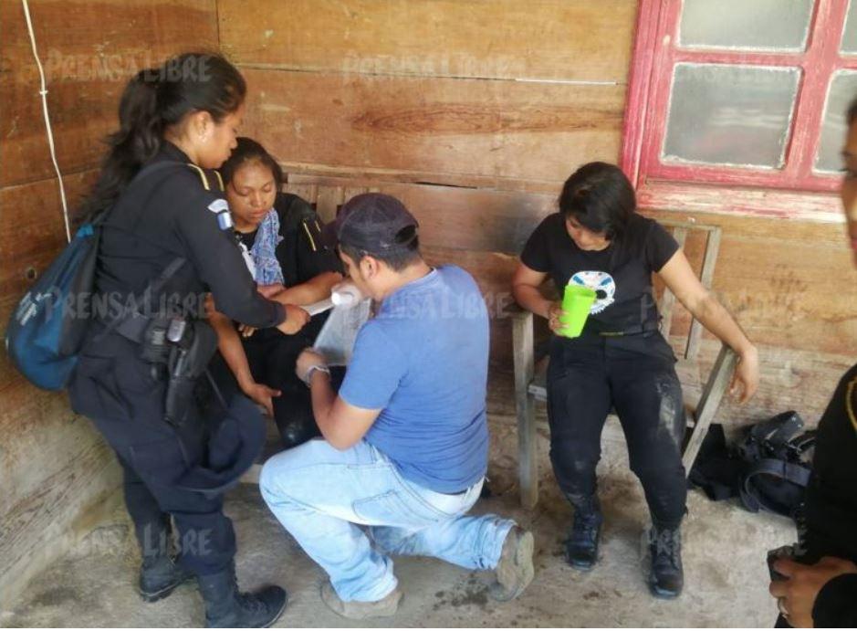 Pobladores de Purulhá liberan a 75 policías; varios fueron agredidos