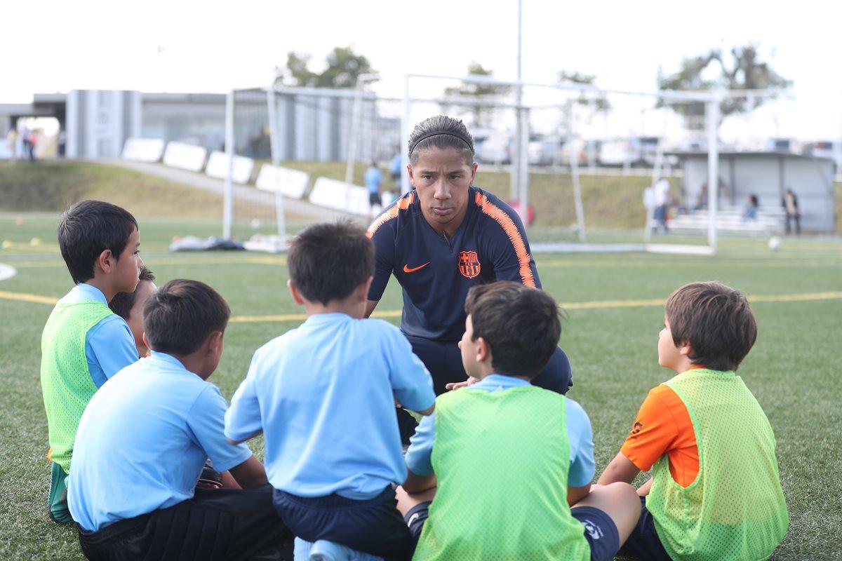 La Barca Academy Guatemala viajará con seis categorías a República Dominicana para competir en prestigioso torneo continental (Foto Prensa Libre: Edwin Fajardo)