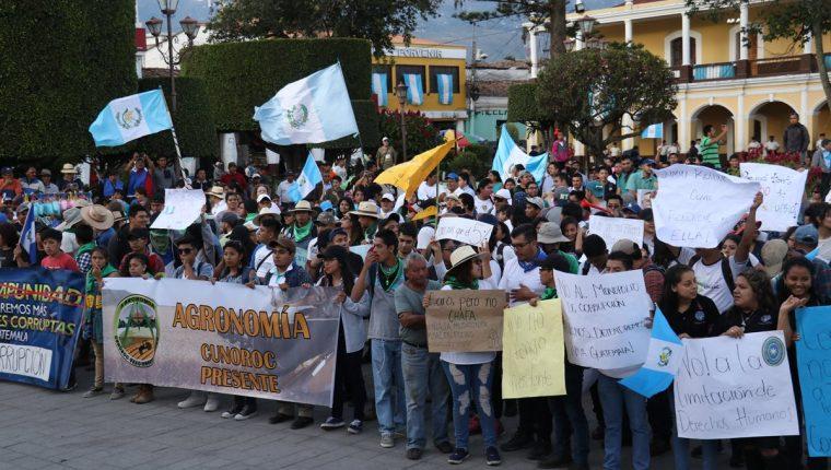 Los estudiantes de la Usac en Huehuetenango han manifestado en otras ocasiones contra la situación política del país. (Foto Prensa Libre: Mike Castillo).