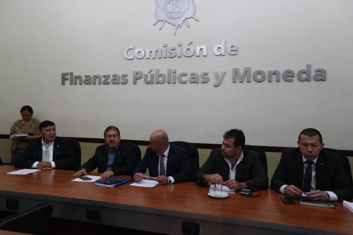 Los integrantes de la Comisión de Finanzas entrarán a conocer el dictamen de la ampliación presupuestaria por Q961 millones para el magisterio la próxima semana. (Foto Prensa Libre: Óscar Rivas Pu)