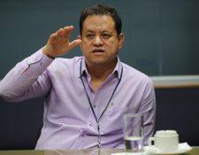 Enrique Gil Natareno, gerente general de la EPQ, habló con Prensa Libre sobre la falta de grúas y prometió que en un plazo de 60 días se contará con los equipos para atender los barcos celulares (los que requieren de grúas móviles). (Foto Prensa Libre: Óscar Rivas)