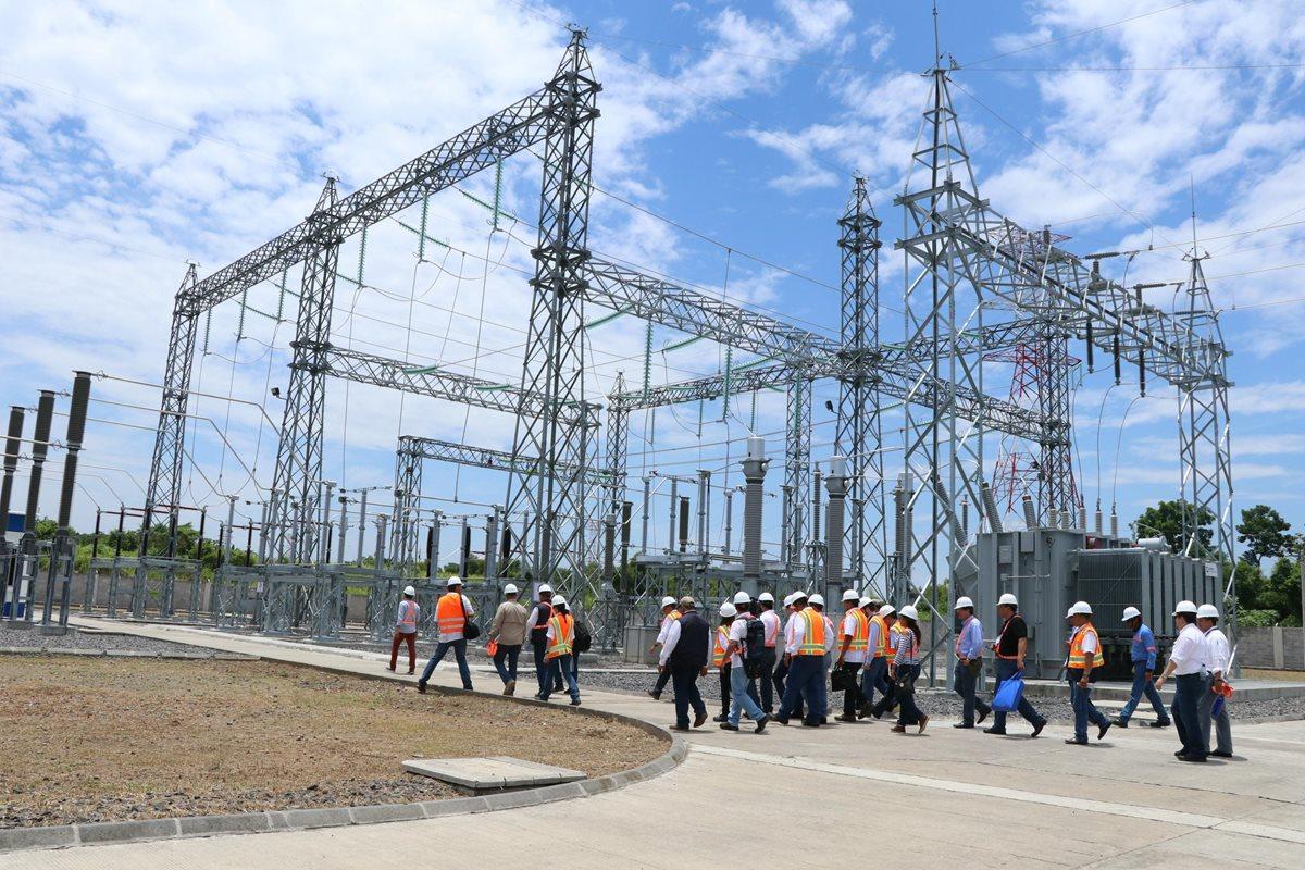 Grupo colombiano inaugura líneas de transmisión de energía