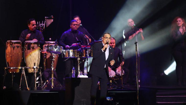 Gilberto Santa Rosa visitó Guatemala y ofreció un show con lo mejor de su repertorio. (Foto Prensa Libre: Keneth Cruz)