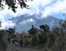 Este fin de semana la baja temperatura será extrema en la cima del Volcán de Acatenango. (Foto Prensa Libre: Víctor Chamalé)