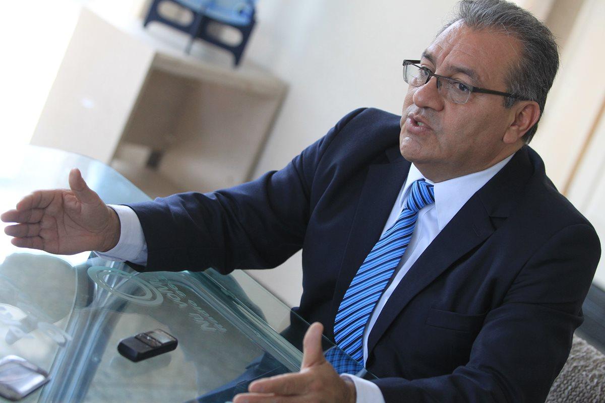 Magistrado titular electo por el Cang plantea uso de tecnología y descentralización en máximo tribunal. (Foto Prensa Libre: Esbin García)