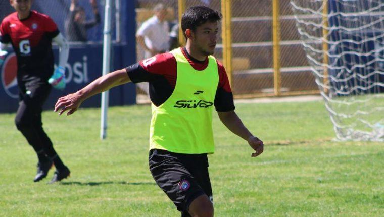 Héctor Moreira jugará su cuarto torneo defendiendo la camisola de Xelajú MC. (Foto Prensa Libre: Raúl Juárez)