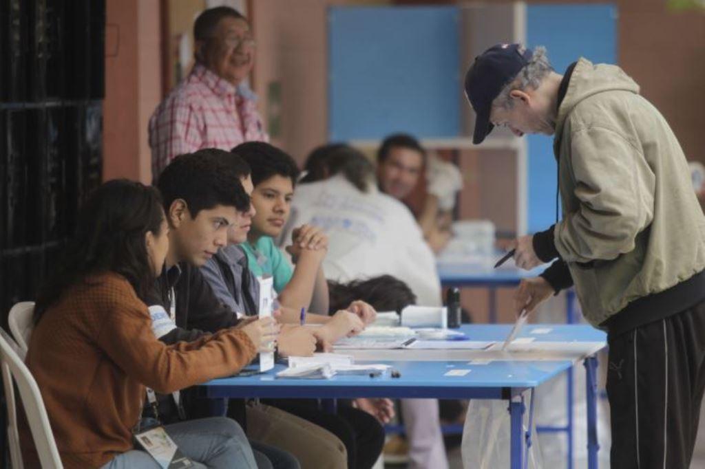 El convocatoria al proceso electoral está cada vez más cerca y los partidos políticos ya empezaron a proclamar candidatos a elección popular el TSE tiene pendiente anunciar la fecha para realizar la votación. (Foto Prensa Libre: Hemeroteca PL)