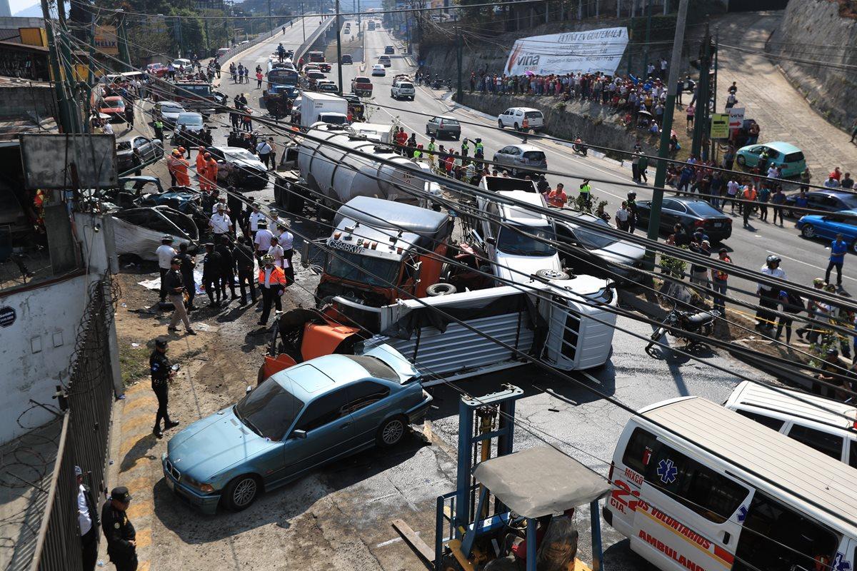 El accidente en San Cristóbal del jueves 1 de marzo causó destrucción y muerte. (Foto Prensa Libre: Hemeroteca PL)