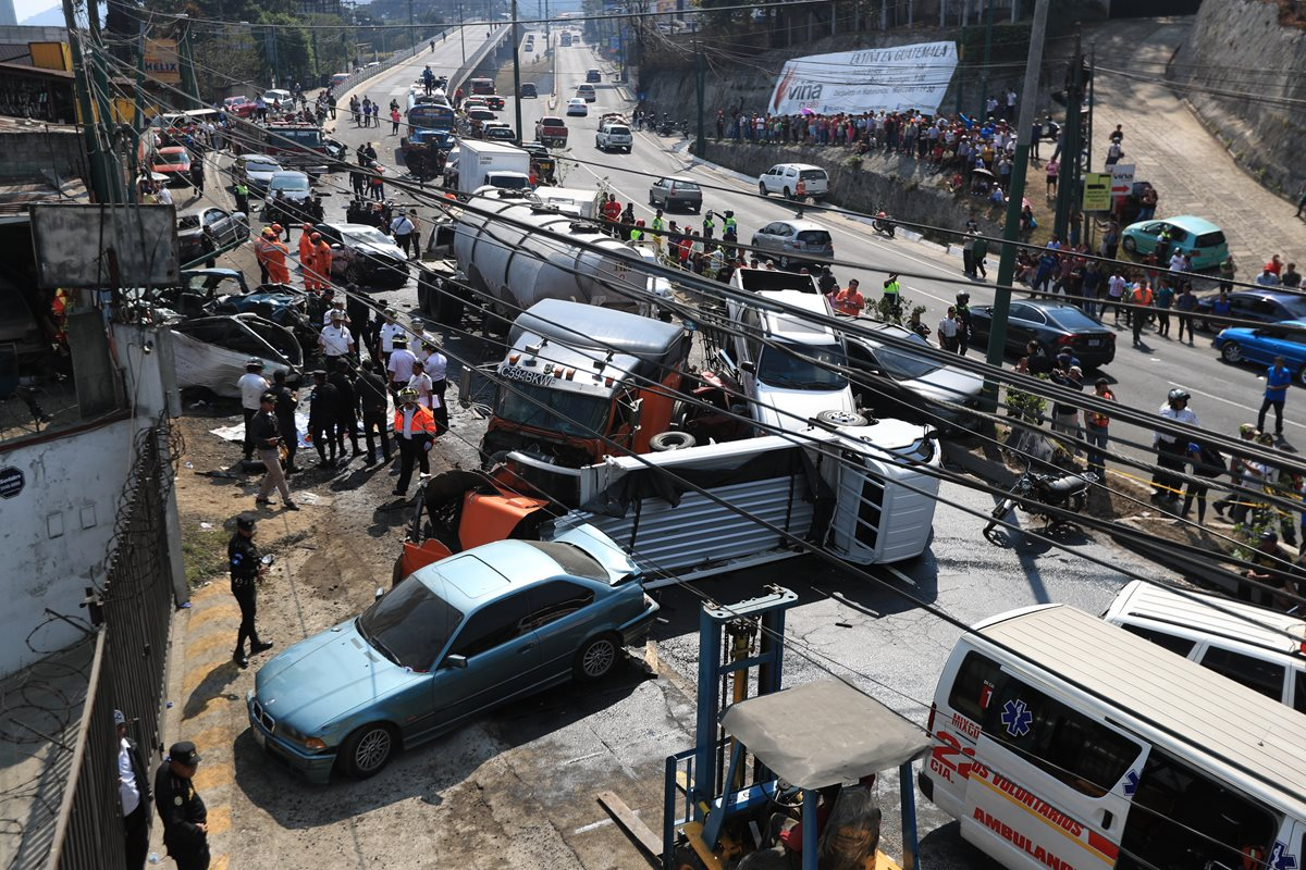 Accidente en San Cristóbal: Sube a ocho el número de fallecidos