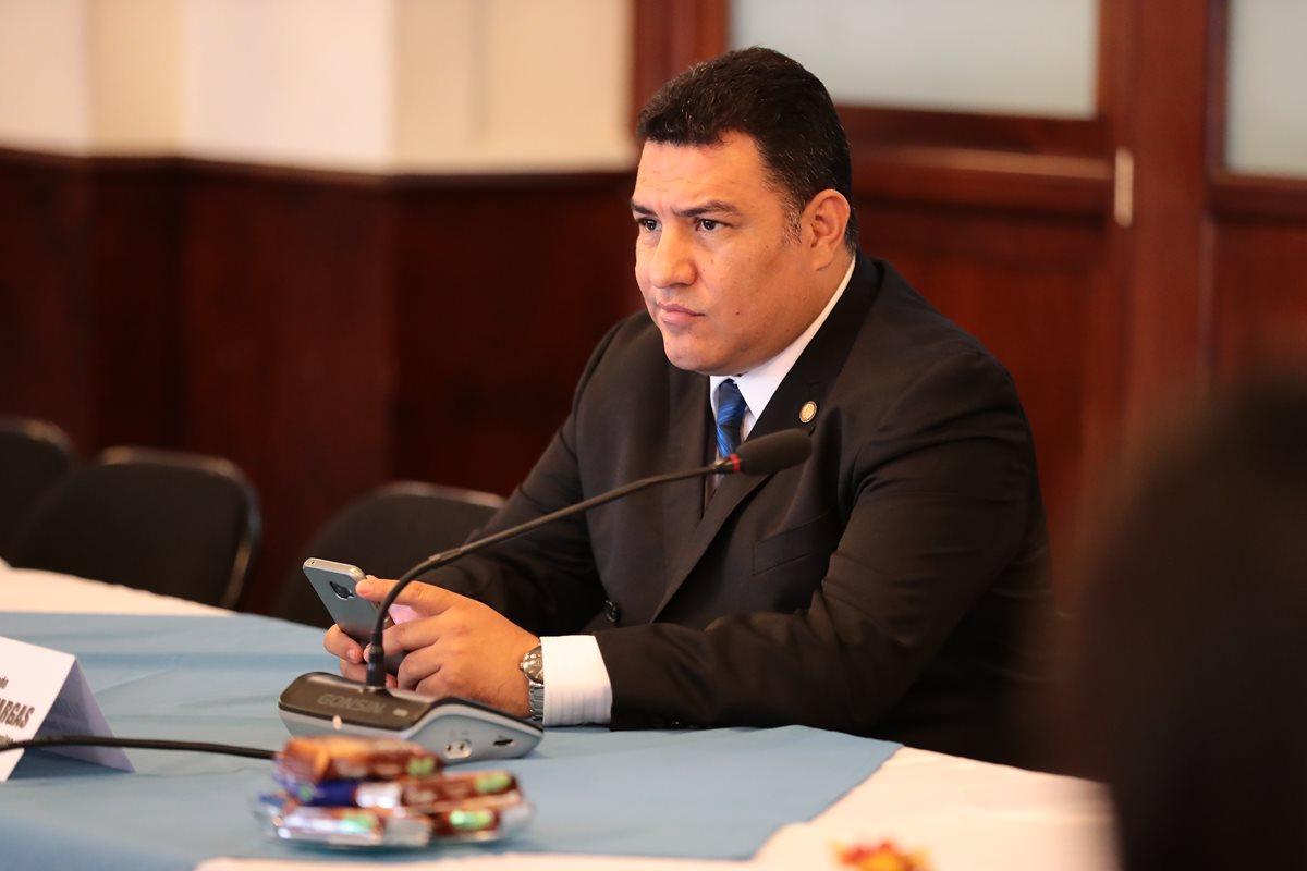 Investigarán vínculos del ministro de Ambiente, Alfonso Alonzo, con hidroeléctricas