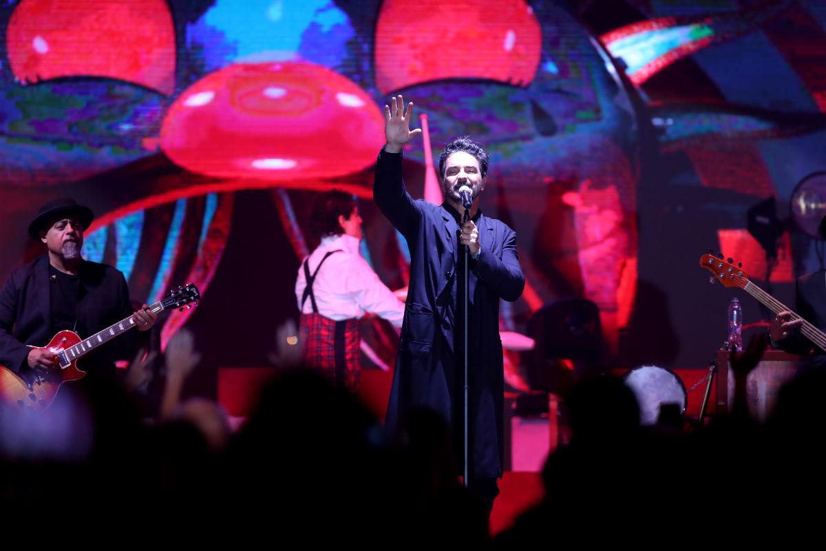 Arjona deleita durante concierto íntimo