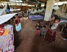 En la casa de Marta Jun viven 14 personas, algunas de las cuales han enfermado. (Foto Prensa Libre: Érick Ávila)