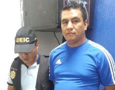 Saúl Ermitaño de León Ruiz es capturado en la cabecera de Retalhuleu, por un caso de tumbe de droga ocurrido en el 2015. (Foto Prensa Libre: PNC)