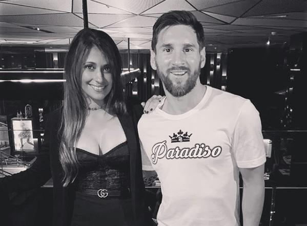 Leo Messi junto a su esposa Antonella durante una salida romática en Dubai. (Foto Prensa Libre: Instagram Antonella Roccuzzo)