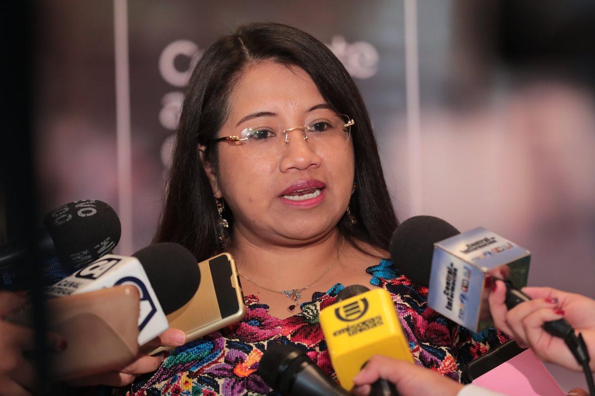La ministra de Trabajo Leticia Teleguario, informó acerca de la verificación que que se está llevando a cabo en Guatemala por una misión de alto nivel antes de la audiencia en la Comisión de Administración de la OIT. (Foto, Prensa Libre Álvaro Interiano).