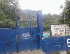 Escuela donde autoridades de Educación investigan supuesto caso de discriminación. (Foto Prensa Libre: Eduardo Sam Chun)