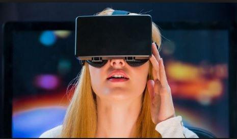 Uno de los empleos del futuro que plantea la OIT son arquitectos de realidades virtuales. (Foto Prensa Libre: todosstartup.com)