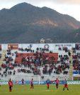 El estadio Mario Camposeco lucio vació en el encuentro entre Xelajú MC y Malacateco. (Foto Prensa Libre: Carlos Ventura)