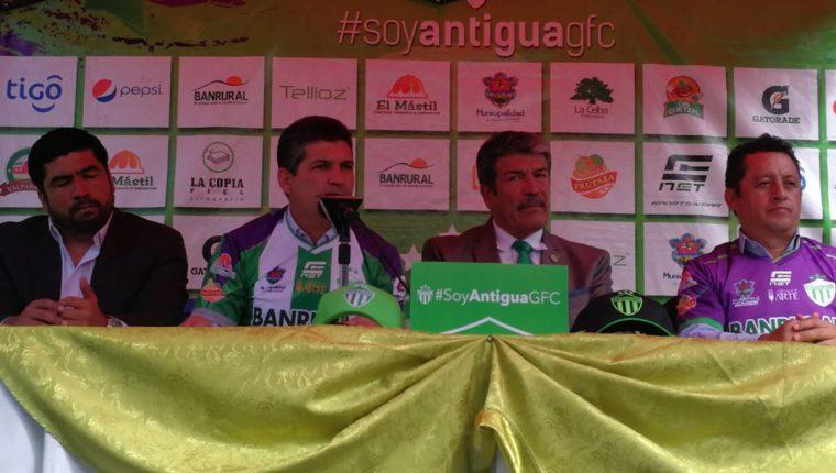 Antonio Torres Servín espera promover a varios jugadores de la juveniles de Antigua GFC. (Foto Prensa Libre: Carlos Vicente)