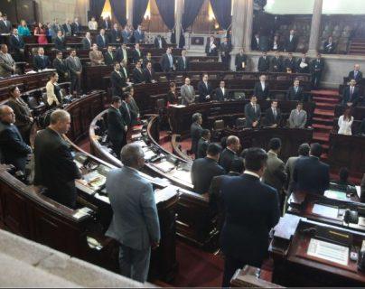 Vista de la sesión plenaria del 29 de marzo de 2016, cuando diputados votaron contra el transfuguismo y aumentaron el número de congresistas. (Foto Prensa Libre: Hemeroteca PL)