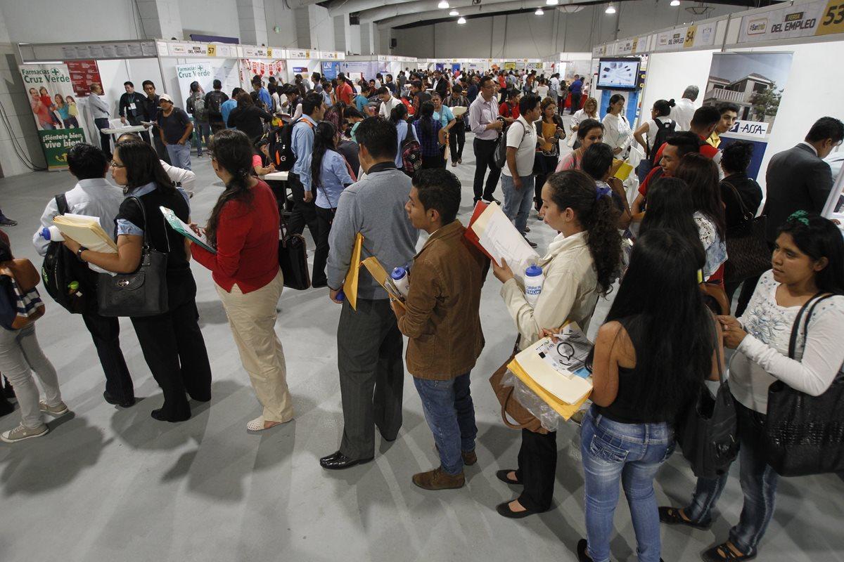 Falta de preparación es una barrera para encontrar empleo