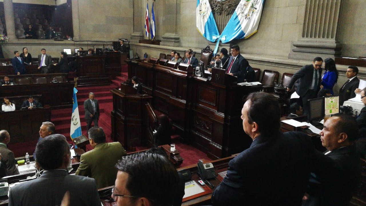 En la segunda sesión plenaria del año el pleno del Congreso discutió en primer debate la iniciativa de reformas a la Ley de Reconciliación Nacional. (Foto Prensa Libre: Érick Ávila)