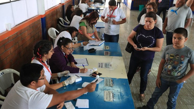 Guatemala celebró la consulta popular sobre el diferendo con Belice el 15 de abril, cuyo resultado fue un abrumador Sí. (Foto Prensa Libre: Hemeroteca PL)