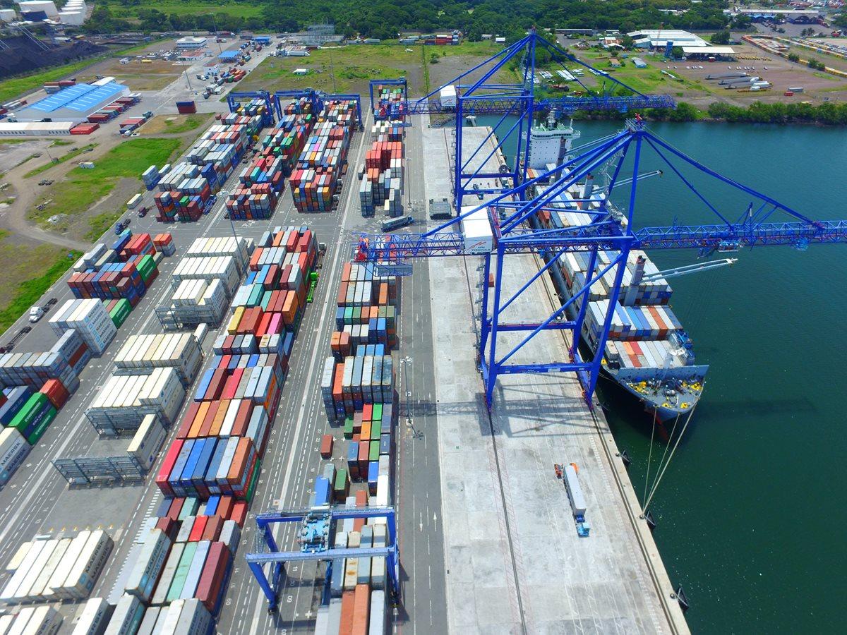 En los países de la región empieza a escucharse la una iniciativa que pretende agilizar por mar el movimiento de mercancías en Centroamérica, en menos tiempo y en el marco de la unión aduanera. (Foto Prensa Libre: Hemeroteca)