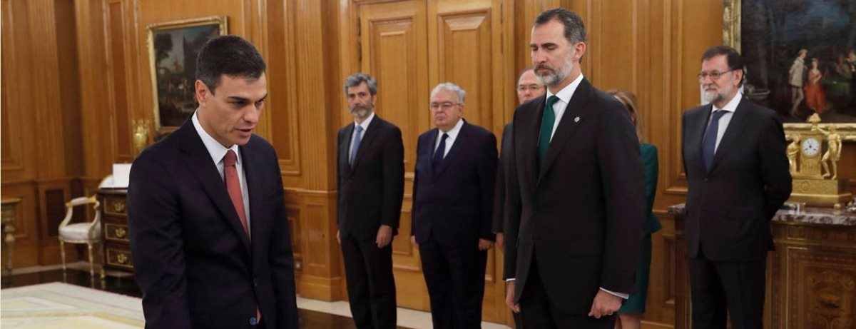 Socialista Pedro Sánchez asume como nuevo presidente de gobierno español
