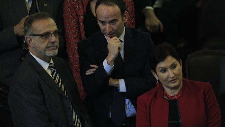 El comisionado Iván Velásquez; el procurador de los DDHH, Jorge De León, y la fiscal Thelma Aldana llegaron al Congreso para apoyar las reformas.
